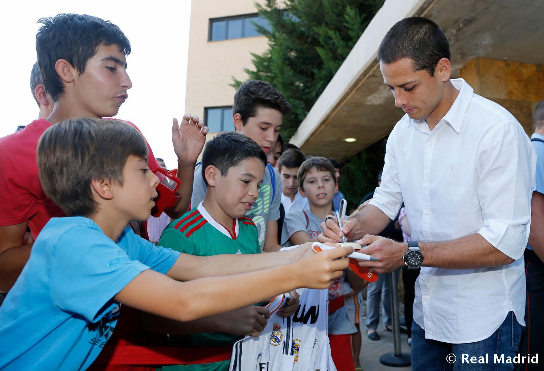 عکس چیچاریتو در رئال مادرید
